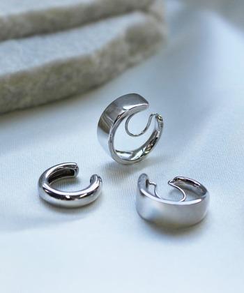 最後にご紹介したいイヤーカフがこの「JUPITER(ジュピター)」のstylish silver hoopイヤリング&イヤカフ♡ イヤリング&イヤカフのセット売りだから、統一感を出すことができるのもおすすめのポイント*