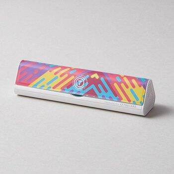 カラフルな見た目が可愛いO'PRECAREの「Tooth Clean」は、そのままカバンに入れることができるしっかりとした素材が魅力!