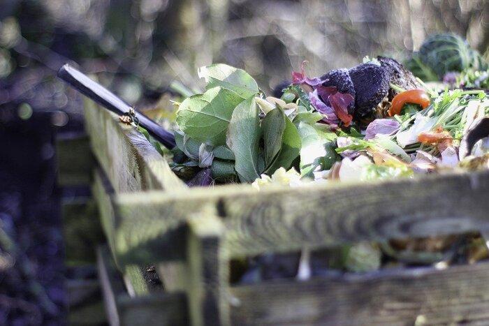 生ゴミを堆肥にリサイクル。地球にやさしい【コンポスト】の作り方とおすすめ容器