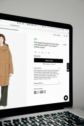 ネット通販の場合、同じデザイナーズブランドでもサイトによってオフ率(値下げ率)が異なる場合があります。購入クリックする前に、念のため他のサイトとも比較しましょう。