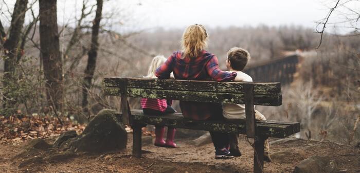 「毎日頑張っててすごいね」 「想う気持ちはきっといっぱい伝わってるよ」 「完璧な子育てなんてないよ」  正解がないわりに、多くの情報に振り回されたり悩まされることの多い育児や子どものこと。悩んでいるのはほんのいっ時かもしれないけれど辛いものです。寄り添って見守る気持ちを伝えましょう。