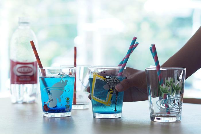お子さんのお友達がおうちに来たときや、ホームパーティーの時など、にぎやかな空間を彩ってくれること間違いなし。飲み物の色や量によっても雰囲気が変わる、遊び心たっぷりのタンブラーです。