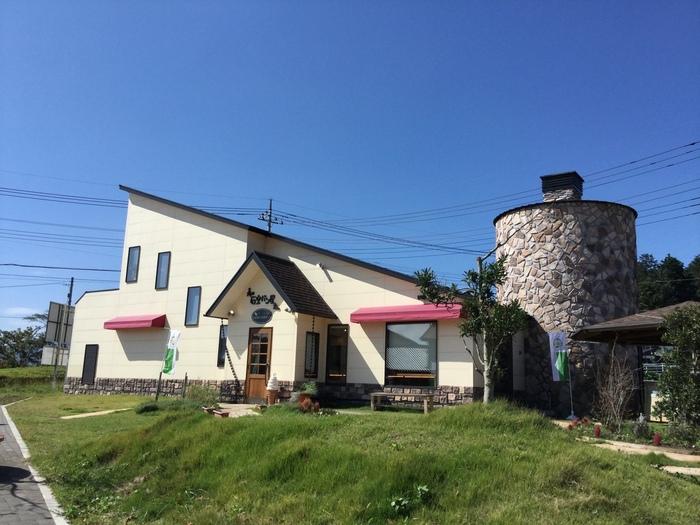 「森の石窯パン屋さん」は、笠間焼で知られる陶芸の街にある石窯パンが名物のお店。茨城の素晴らしい食材を生かしたパン作りにこだわっています。