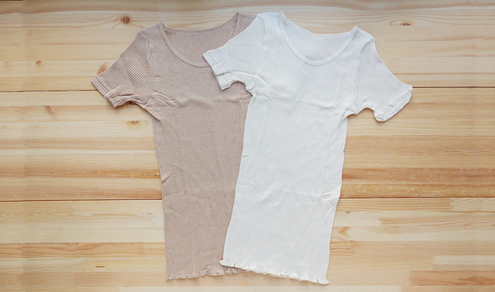 キャミソール、タンクトップとご紹介してきた天衣無縫のリブシリーズ。半袖シャツも大人気なんです。やわらかな気心地は文句なし。締め付け感もないから、毎日楽に過ごせます。