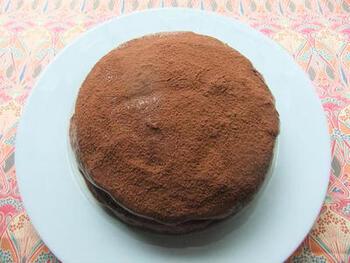 黒ビール(ギネスなどのスタウト)とチョコレートを使った、深みのあるリッチな味わいのケーキ。かなり濃厚で、苦みと甘みが同時に楽しめます。