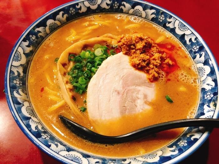 人気の佐倉味噌ラーメン。見た目はシンプル、スープがこってりしている印象ですが、実際食べてみると少し甘めのコクのある味噌ラーメンです。