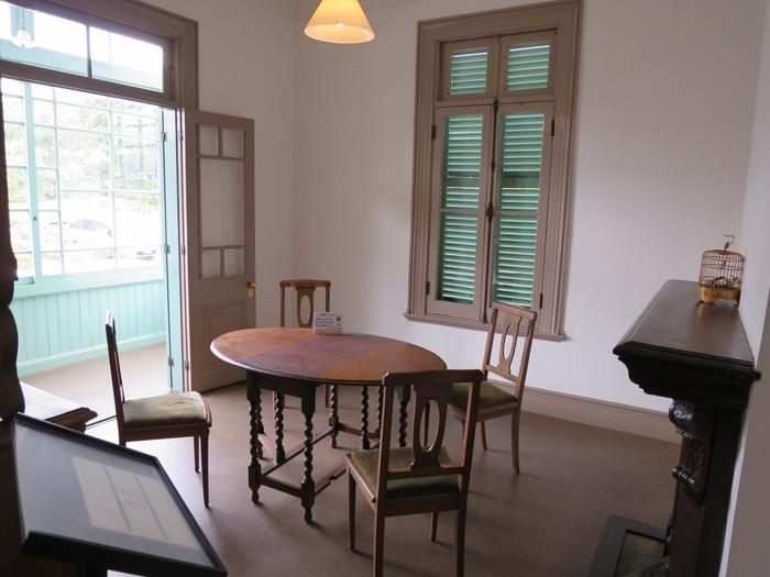 家具や小物も部屋ごとに配置されているので、当時の暮らしぶりに思いをはせてみるのも楽しいですね。