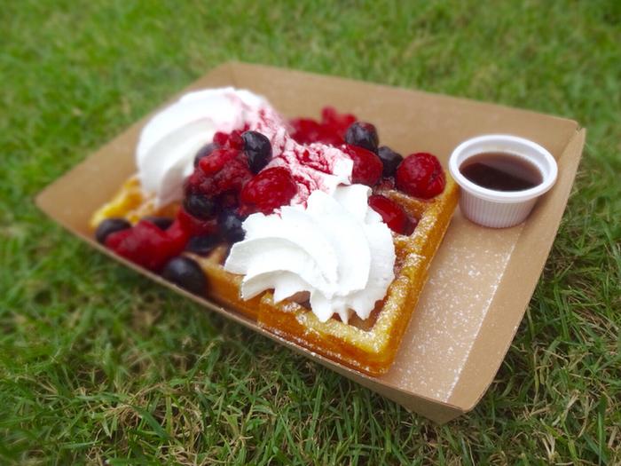 やっぱりスイーツ♡と言う方には、ワッフルも!公園で、のんびりしながら甘い物が食べられるなんて最高ですね。