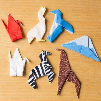 とってもかわいい眼鏡クリーナー「Peti peto(プッチペット)」。Peti peto はラテン語で「小さい動物」という意味があり、折り紙のように可愛らしく折られた動物のカタチの布製のクリーナーは、いろいろな場所に一緒に連れて行きたくなる身近なペットのような存在になりそう。