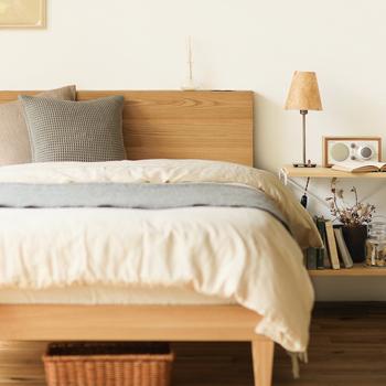 大人2人と子供1~2人で寝るのならクイーンサイズではやや手狭。キングサイズのベッドなら左右の幅にも余裕を持てるので、かなりゆったりと眠ることができますよ。
