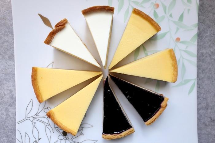 チーズケーキは全部で4種類。甘さ控えめの「ナチュラル」やサワークリームの酸味が効いた「サワーソフト」など、どれもシンプルながらも奥深い味わいです。小さめサイズで食べやすいのも魅力。