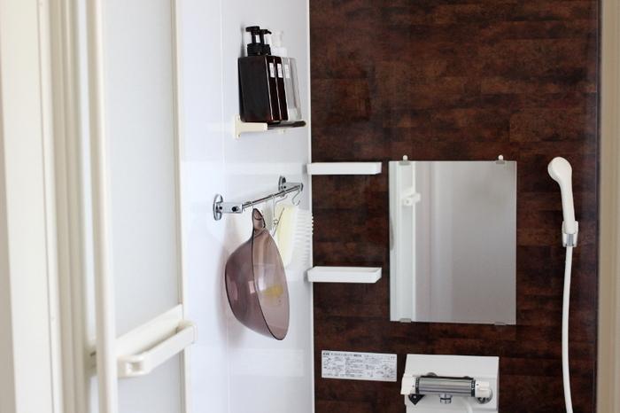 引越し前夜になると一気に荷造りが進みます。お風呂が済んだら浴室のモノをすべて詰めましょう。そのほか、洗濯物やランドリーグッズ、キッチンで最後まで使った調理用品なども。洗面用品は翌朝に詰め、雑巾と掃除用洗剤、ハンドソープとタオルはギリギリまでおいておくと便利です。