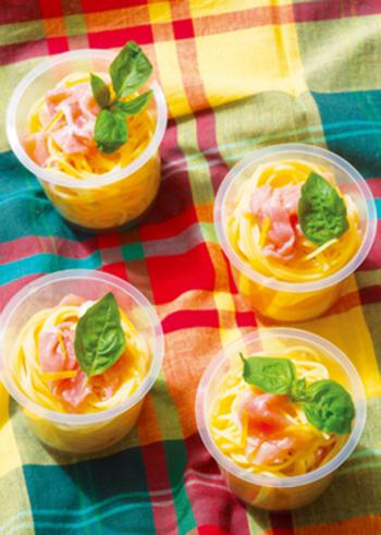 よりさっぱりと食べたいなら、レモンパスタもおすすめ。 レモンの風味が爽やかな、どちらかというとサラダパスタに近い仕上がりになります。 生ハムとの相性もバッチリです。