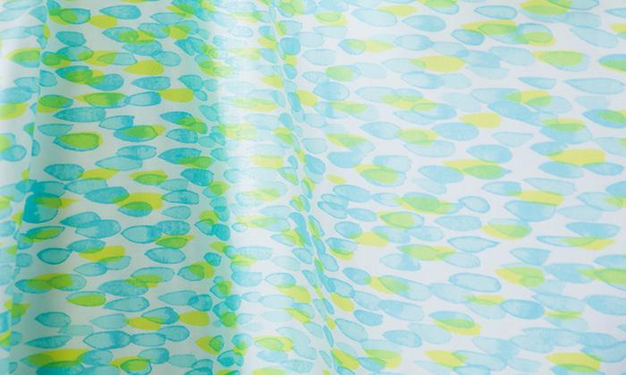 おしゃれな布をたくさん取り扱っているnunocotoさんで取り扱われているダブルガーゼは、国産糸だけが使われて安心のファブリック。もちろんその穏やかで優しい柄も魅力です。