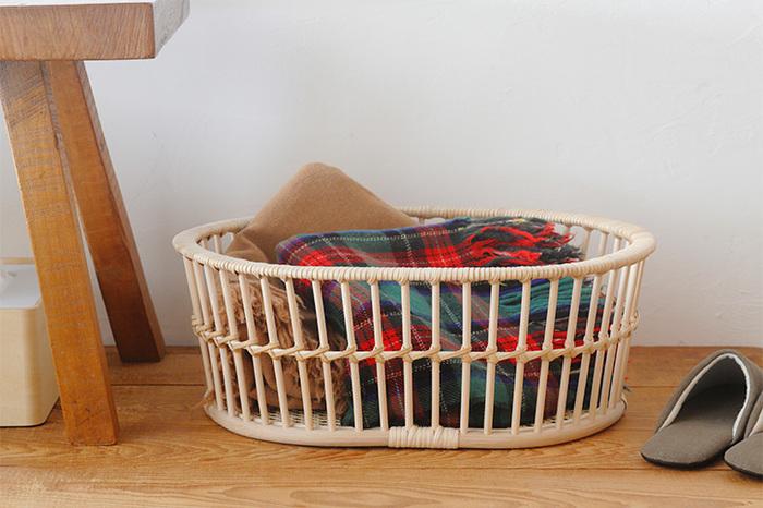 銭湯でおなじみの籐かごです。だんだん色みが深くなる、経年変化を楽しめるのも、籐かごの魅力。