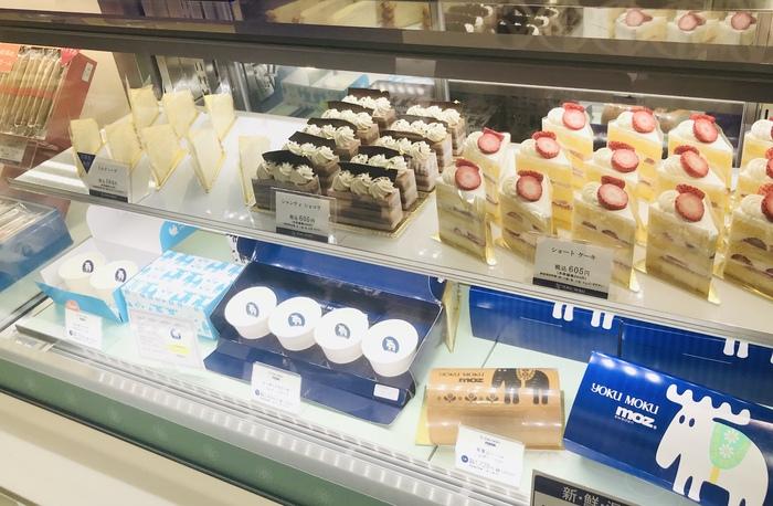 焼き菓子のほかにケーキなども扱っており、なかでもミルクレープ(画像左上)は、上品な味わいでおいしいと評判ですよ。