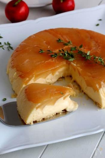 りんごを使ったチーズケーキが、なんとフライパンで作れます!ホットケーキミックスを使うので失敗ゼロ。チーズがとろーりとろける大満足のケーキです。