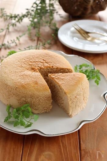 チーズケーキ好きにも紅茶好きにもおすすめのレシピです。茶葉はアッサムやウバ、アールグレイなどお好みのものを使ってください。