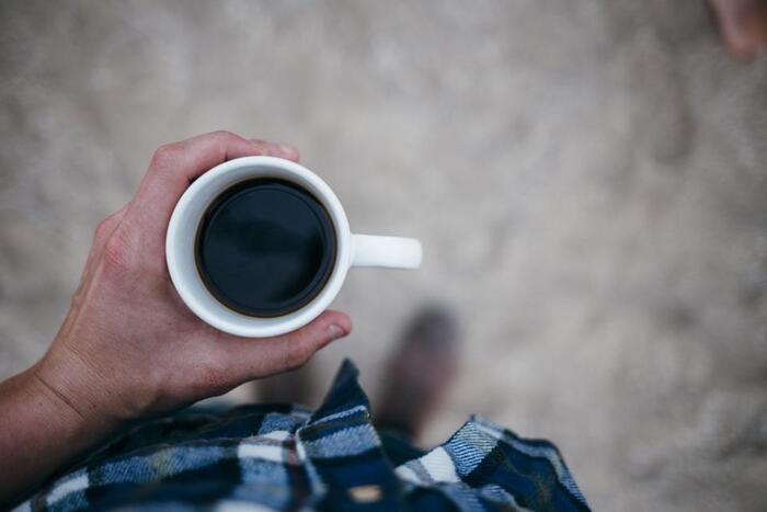 焙煎の工程でいわゆる焦げによって付属される苦味成分。コーヒーならではのこの苦味は、深煎りすればするほど個性がどんどん失われていくといいます。マンデリンは、深煎りにしても風味を損なわないコーヒー豆です。後味にハーブやシナモンを感じる独特の風味があって特徴的です。