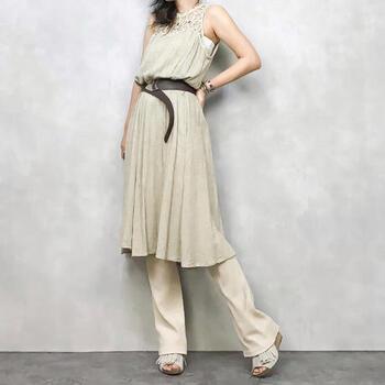 クラシカルなテイストながら、現代のファッションにもマッチする女性らしいラインが美しいコレンテのアイテムたち。手持ちの洋服とも合わせやすく、ヴィンテージ初心者さんでも取り入れやすいものが多いんですよ。