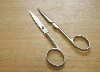 滑らかな動きと、切ったときに刃同士が吸い付いていくような使い心地が特徴です。清潔を維持するために、二つに分解することも可能。