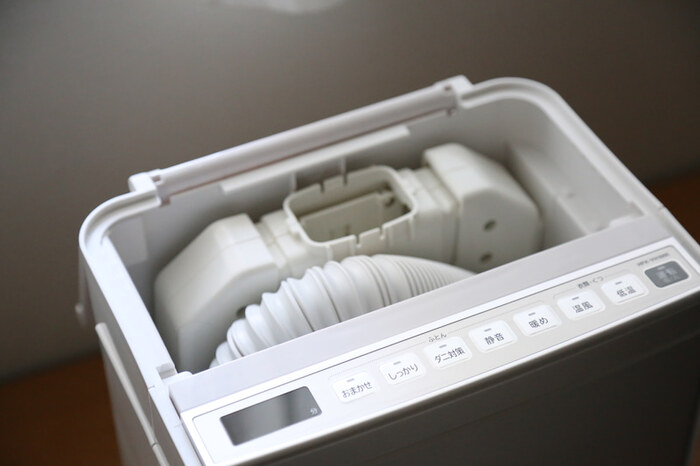 アタッチメントやホースは本体にすっぽり収まります。収納に困らずすっきり片付けられますよ!