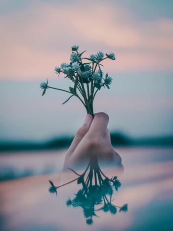 でも、自分を守るために、関係に見切りをつけるのは決して悪いことではありません。  そのリセットは、「これまでの自分の時間が無駄になる」のではなく、「新たな出会いの余白を自分に作る」ための一歩となるはずですよ。