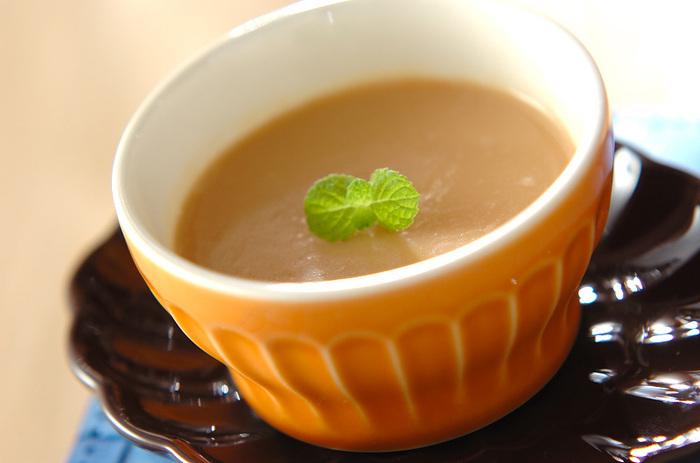 焼き菓子はハードルが高いと感じるなら、ミルクティーでプリンを作ってみるのはいかがでしょう?ミルクティーをゼラチンで固めるだけと、かなり簡単です。色々な茶葉で作ったり、甘さを調整して好みの味にアレンジしてみて。