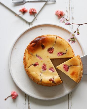 春をぎゅっと閉じ込めて。<自家製・桜の塩漬け>とアレンジレシピ