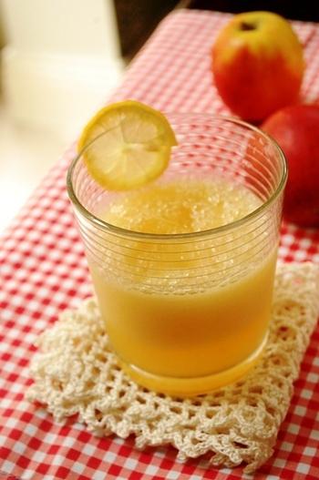 酸っぱいレモンもメープルシロップでほんのり甘く。りんごとレモンでビタミン&食物繊維を摂って元気よく一日をスタートさせたいですね!