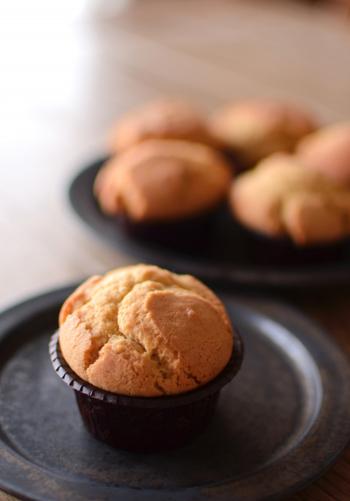 どっしり系スイーツのマフィンも豆乳クリームバターを使ってヘルシーに♪メープルがふんわり香るやさしくシンプルな味わいは、朝食にもおすすめです。