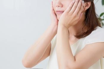 ステップが少ないのがオールインワン化粧品の特徴。肌に触れる頻度も自ずと少なくなるので、手と肌の摩擦も少なくなります。オールインワン化粧品を使うことでお手入れがシンプルになり、お肌にも優しいケアができそうです。