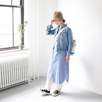 ウォッシュ加工されているものや、ノンウォッシュのもの、ポケットや袖まわりのパッカリングなど含め、適度に色落ち加工されているものは、程よい風合いが生まれるので、ナチュラルな着こなしにもぴったりです。