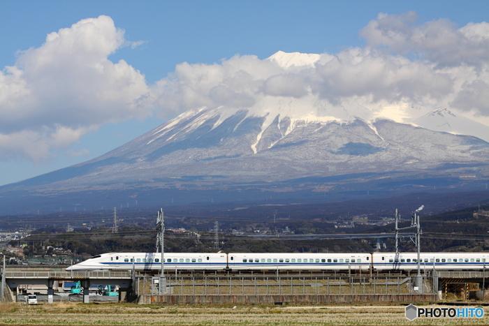 掛川へのアクセスは、新幹線や飛行機、高速バス、自動車などさまざま。東京をはじめ、名古屋、大阪から掛川までのアクセス詳細については、以下のサイトをご覧ください。