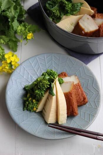 さつま揚げで食べ応えをプラス。菜の花は彩りが美しく、春らしい食材です。白だしとみりんのシンプルな味付けで、素材の美味しさを楽しんで。