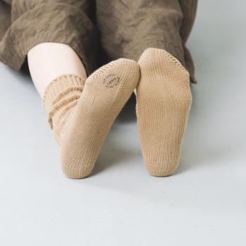 お気に入りの靴下を見つけたら、ぜひ、きちんとお手入れして長く履き続けてみましょう。小さな習慣ですが、繰り返していくことで、きっと効果を実感できるはず!靴下を長持ちさせるポイントをご紹介していきます。