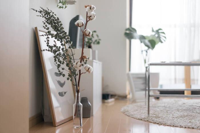 いかがでしたか?ワンルームという限られた空間でも、自分らしい素敵なお部屋を作ることはできます。広く見せる工夫や自分らしさをプラスするポイントを参考にしながら、自分だけのお気に入りの空間を作って、快適なおうち時間を過ごしてくださいね。