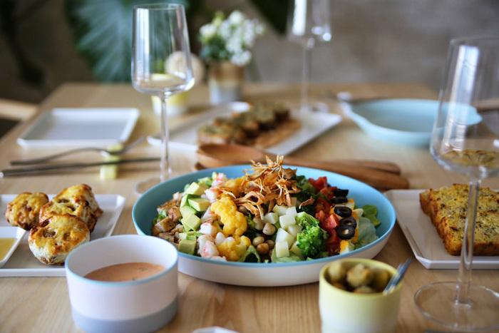 想像をふくらませながら選ぶ。食卓を美味しく華やかに彩る「プレート」