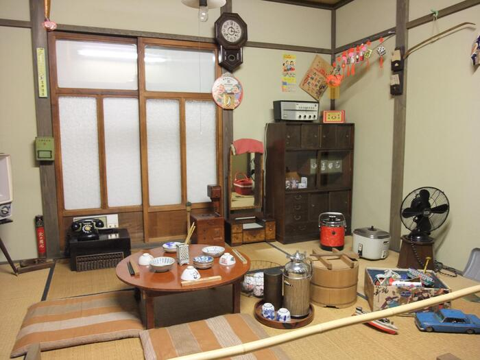 石川県・七尾市にある「和倉昭和博物館とおもちゃ館」。1階が昭和の日常を再現したエリアとなっていて、2階には昭和の子供達が心を躍らせたおもちゃが集められています。