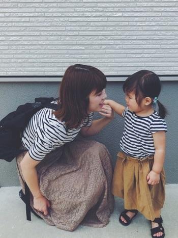 「しまむらキッズ」のボーダートップスを使って、親子でリンクコーデを楽しむのも人気のスタイルです。プチプラでママと似ているボーダートップスをゲットできるので、気になる方はチェックしてみてくださいね♪