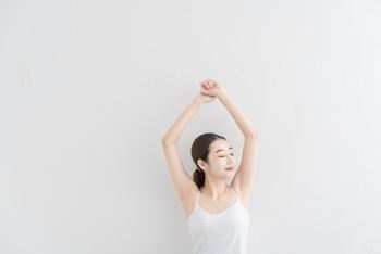 久しぶりに運動をする時に心配なのがケガ。フォームが崩れて無理な負荷がかかると、関節や筋肉に痛みが出るなんてことも珍しくありません。