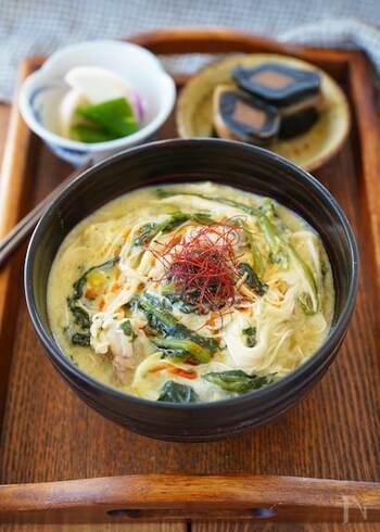 素麺を入れて、スープ以上に食べ応えアップ。ナンプラーでちょっとタイ風の味付けになっています。素麺をご飯にして、雑炊にしても美味しそうです。