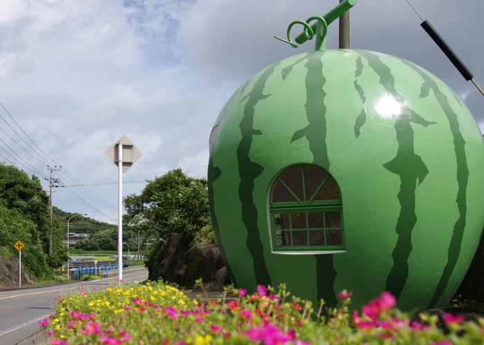 【長崎】まるくてかわいい果物の世界♪乙女心くすぐる「フルーツバス停」