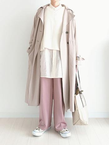白にはない柔らかさが魅力のベージュ。どんなお洋服とも合わせやすいし、ベージュを主役にするもの素敵です。白では汚れがちょっと気になる・・・なんて人にもおすすめ。