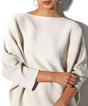 どんな時もシルエットは女性らしく。「ボートネック」の着こなしパターン
