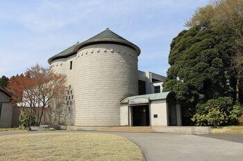 JR佐倉駅と京成佐倉駅から送迎バスで行くことができる「DIC川村記念美術館」。20世紀美術を中心に多彩なコレクションを保有しています。マーク・ロスコのシーグラム壁画など、作品の展示の仕方も秀逸。じっくりアートに触れたい時に訪れてみたくなる美術館です。