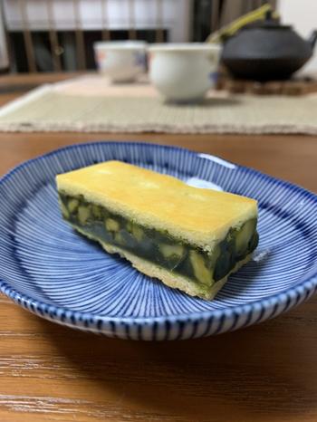 「日本茶菓SANOAH (ニホンチャカサノア)」は、京都と関東にそれぞれ2店舗展開する日本茶を使ったスイーツのお店。伊勢丹新宿店では、限定の「キャラメルサンドクッキー 胡桃抹茶」が購入できます。