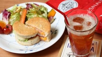 紅茶と合うようにパン職人とコラボレーションして作られたオリジナルサンドウィッチも美味♪ゆったりと紅茶に向き合える素敵なお店です◎