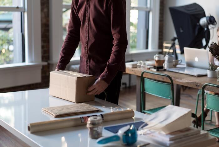フリマアプリも安心◎荷物がサクっと発送できる《梱包&発送作業のコツ》