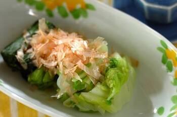 ほうれん草だけのおひたしも美味しいけれど、白菜も一緒におひたしにすることで、より見栄えがします。鍋の後に白菜が余ったら、ほうれん草と一緒に翌日の副菜にしてはいかがでしょうか。